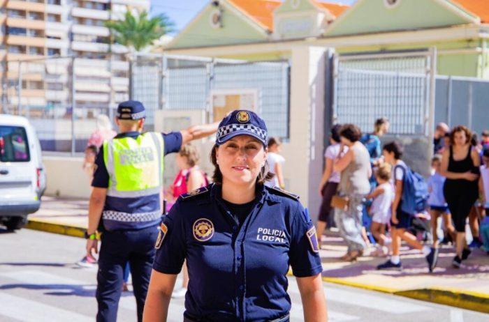 La Policia de Cullera s'especialitza en l'atenció a menors