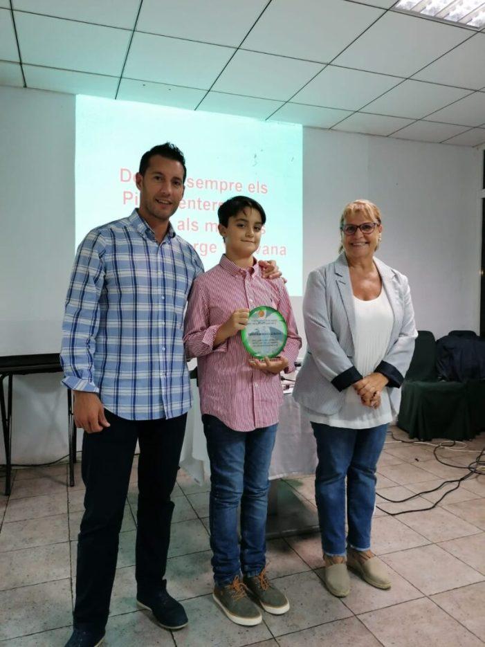 L'Ajuntament de Picassent agraïx a Diego Zaragoza Almansa la seua participació en el Cant de la Carxofa de les Festes Majors d'enguany