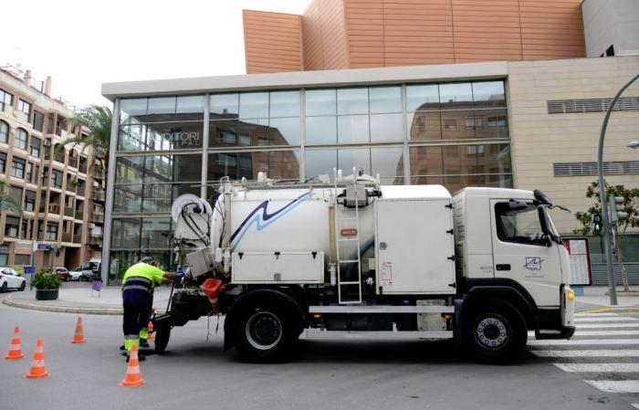 L'Ajuntament de Paiporta realitza operacions de neteja i manteniment del clavegueram i els col·lectors de pluvials