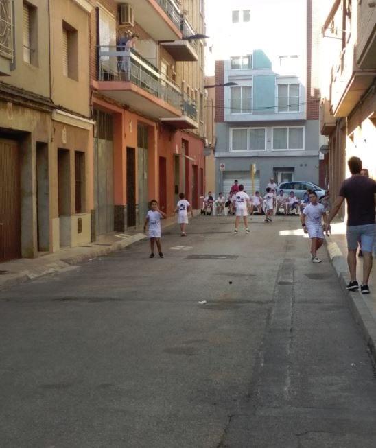 Exhibició de Raspall a càrrec de l'Escola de Club de Pilota Valenciana d'Alzira