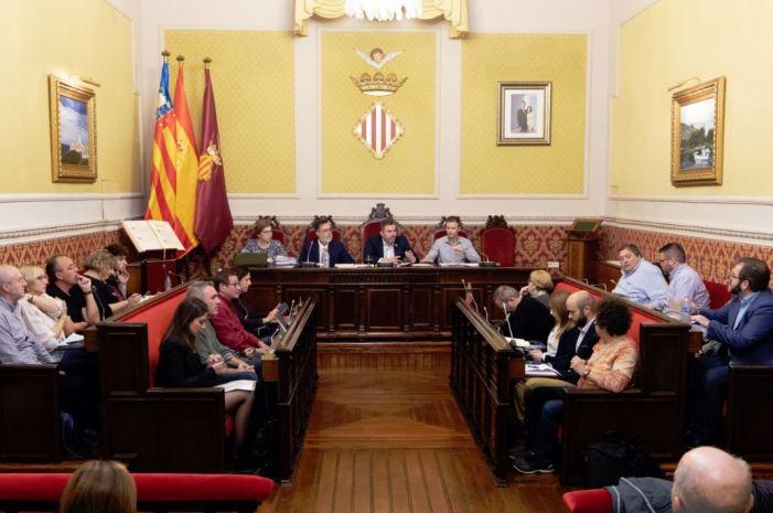 El ple de Cullera condemna els disturbis i la violència a Catalunya
