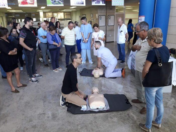 L'Hospital de la Ribera s'instrueix en tècniques de reanimació cardiopulmonar a pacients i professionals