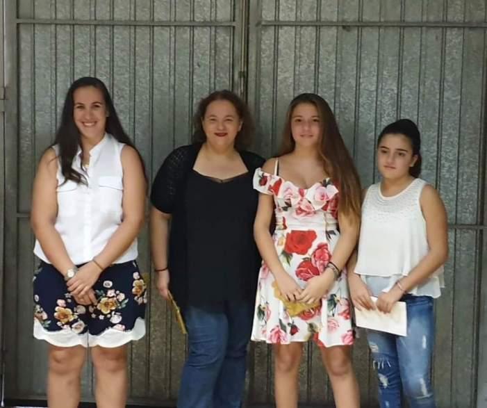 Les representants de la Falla Mig Camí d'Almussafes per al 2020 celebren el seu primer acte