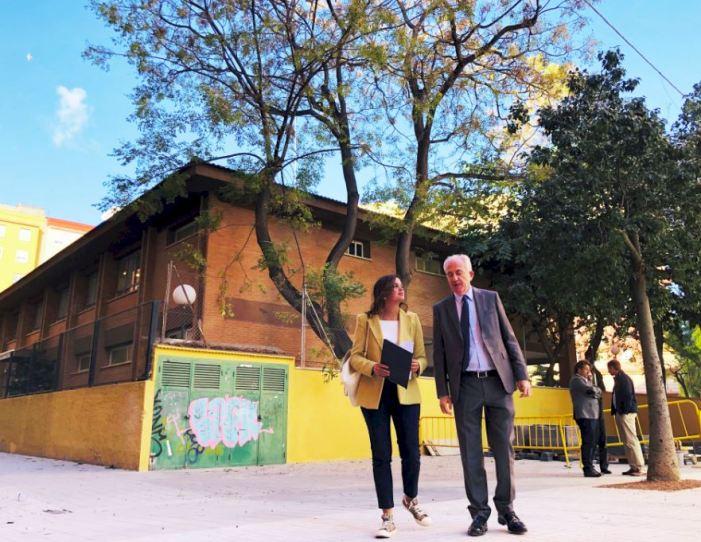 La conversió en zona de vianants de Ceramista Gimeno millora l'entorn del Col·legi Públic Rafael Mateu Cámara