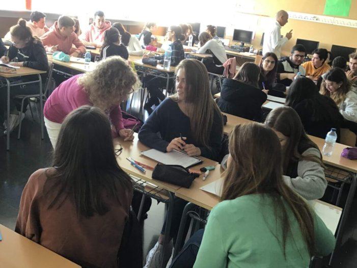 L'alumnat de Gestió Administrativa de l'IES Almussafes realitza un curs de màrqueting dins del projecte Beques Dualiza Bankia