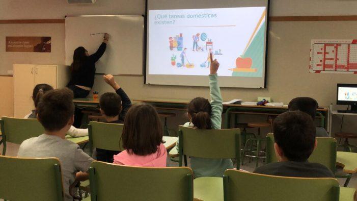 L'alumnat del CEIP Almassaf d'Almussafes participa en un taller sobre igualtat