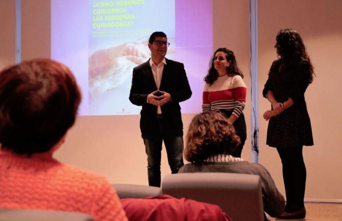 Torrent celebra el Dia Internacional de les Persones Cuidadores amb dues accions formatives