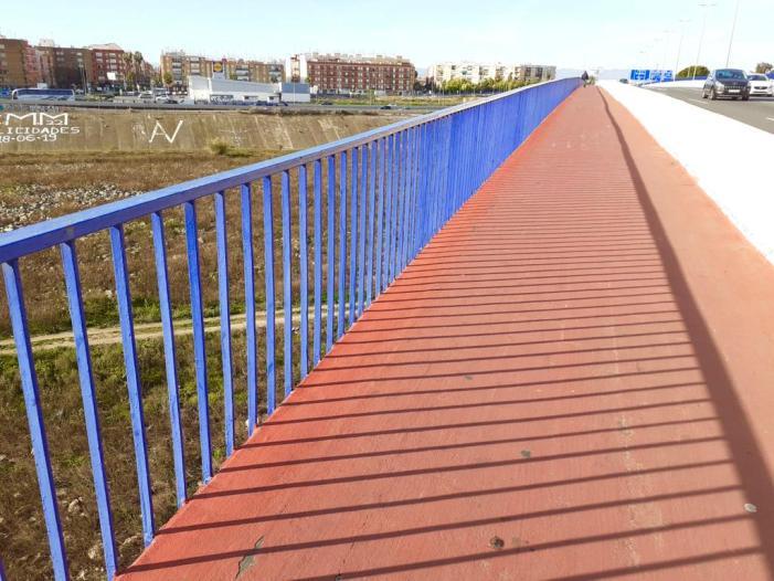 Foment elevarà la barana del pont que uneix Xirivella amb l'Avinguda del Cid