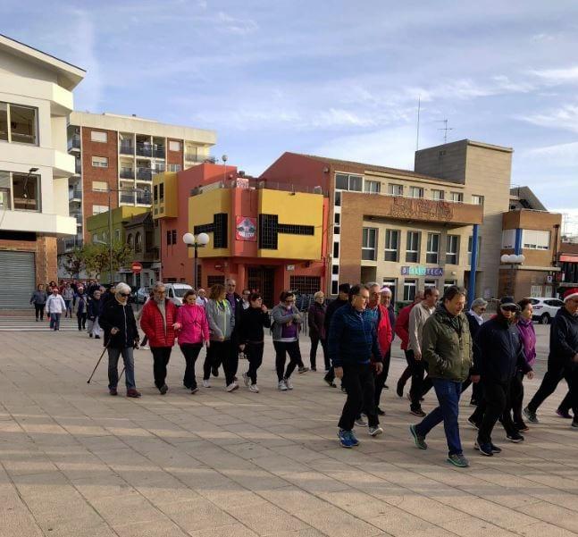 Les persones usuàries del Centre Integral de Majors s'incorporen a 'Almussafes Camina'