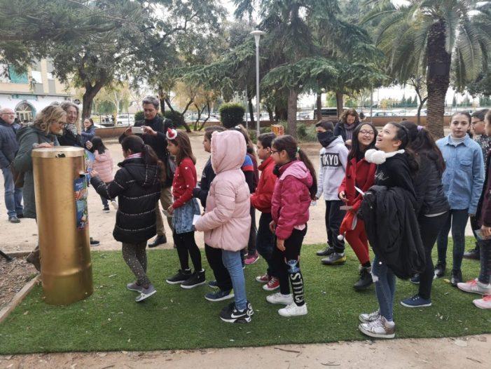 Xirivella concita 1500 xiquets i xiquetes entorn de la Bústia dels Desitjos