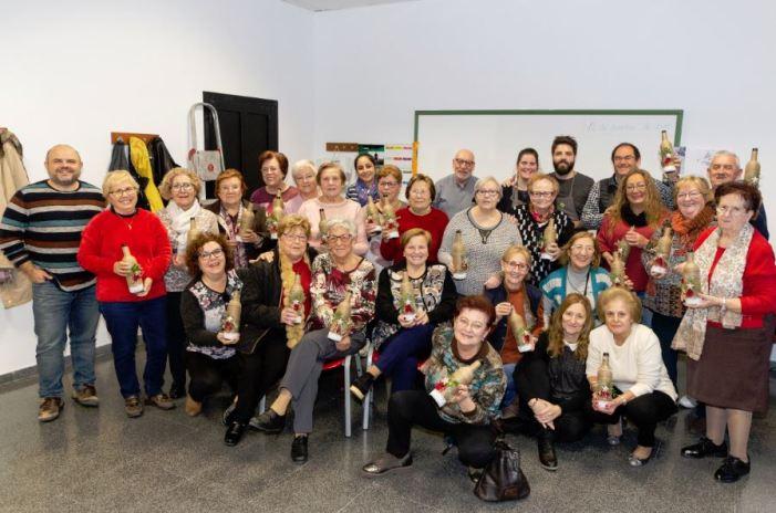 Els majors participen d'un Taller de Nadal  a Picassent