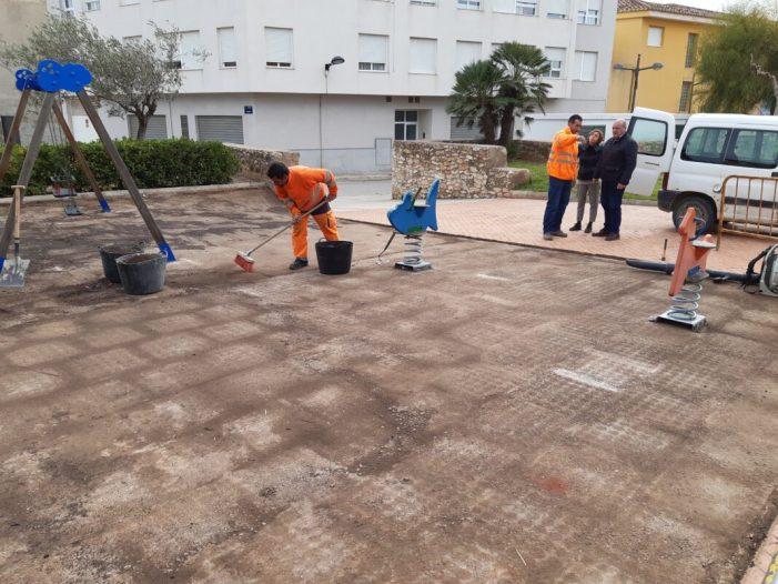 L'Ajuntament de Turís millora els parcs municipals