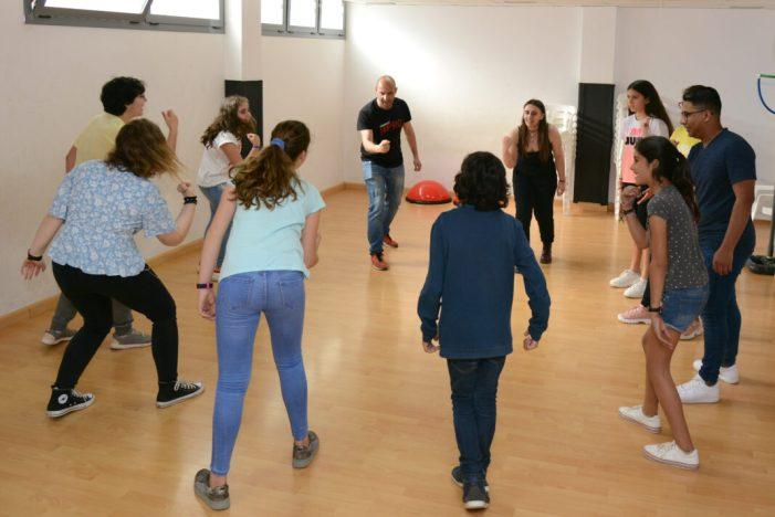 Otakuvers i improvisació teatral es converteixen en activitats regulars de Joventut a Paiporta