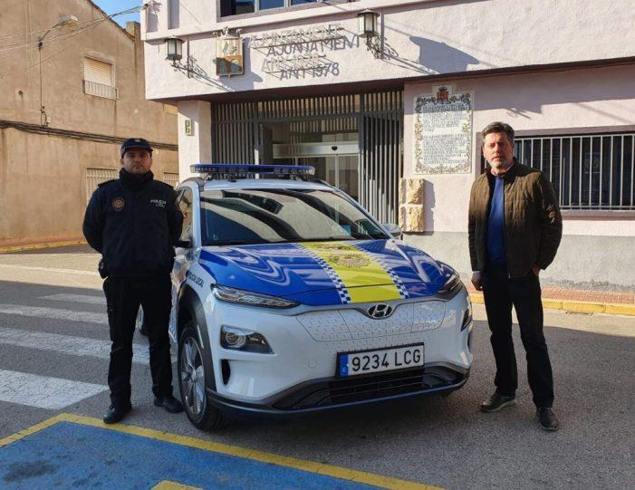 Alcàntera inverteix 41.000 euros en un nou cotxe elèctric per a la Policia Local