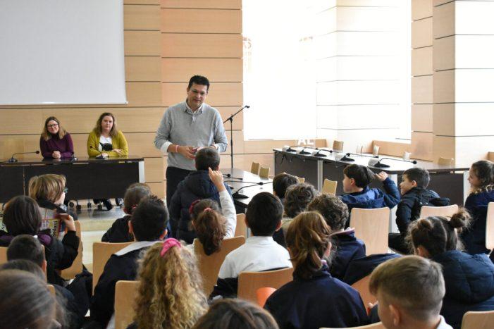Estudiants d'Alfafar presenten a l'Ajuntament les seues propostes per a un municipi més net