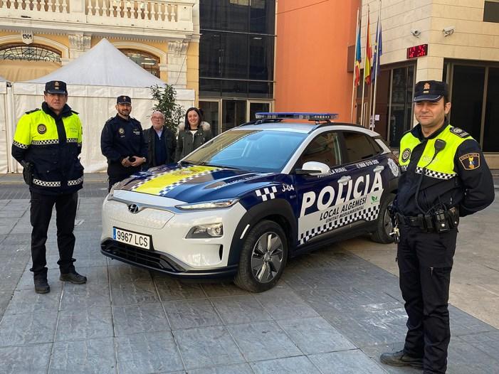 La Policia Local d'Algemesí estrena el primer vehicle elèctric de l'ajuntament