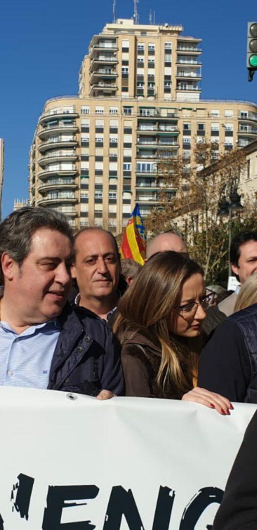 Vicente Montañez regidor de VOX de l'Ajuntament de València en suport als agricultors