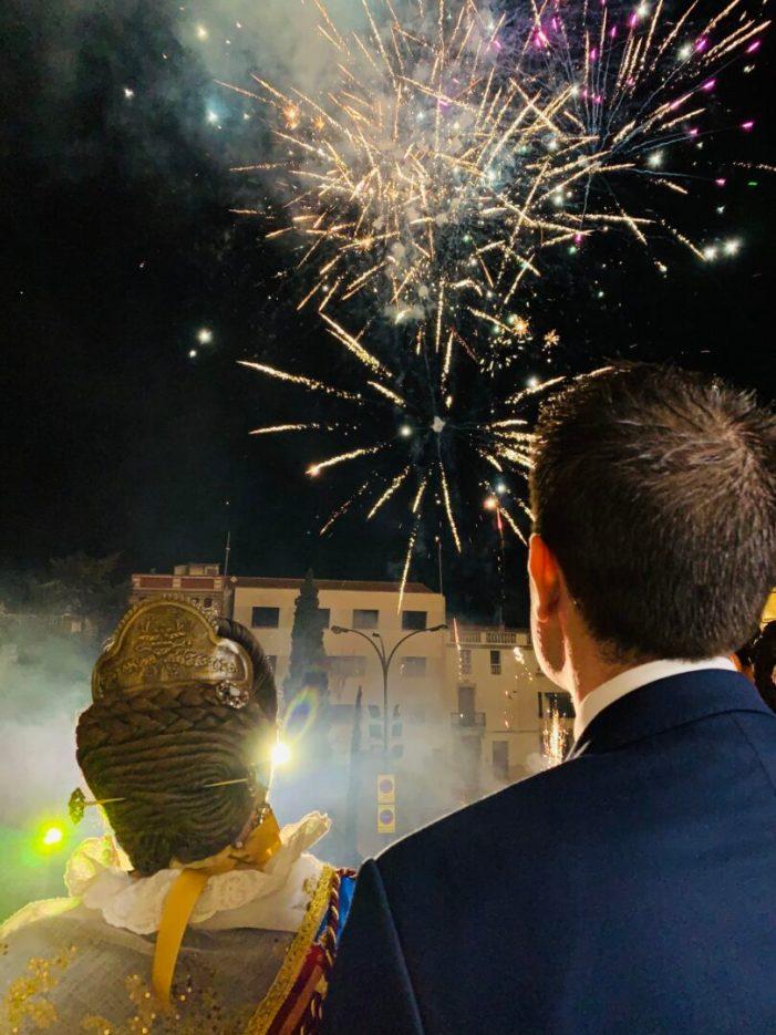 Alberic lliura les claus de la ciutat a les Falles amb la multitudinària Crida