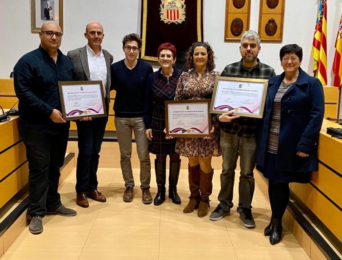 El XXII Premi per l'Ús i la Dignificació recau en les empreses Estudi Joaqui Rosell, Psicoteràpia Algemesí i La Veu d'Algemesí