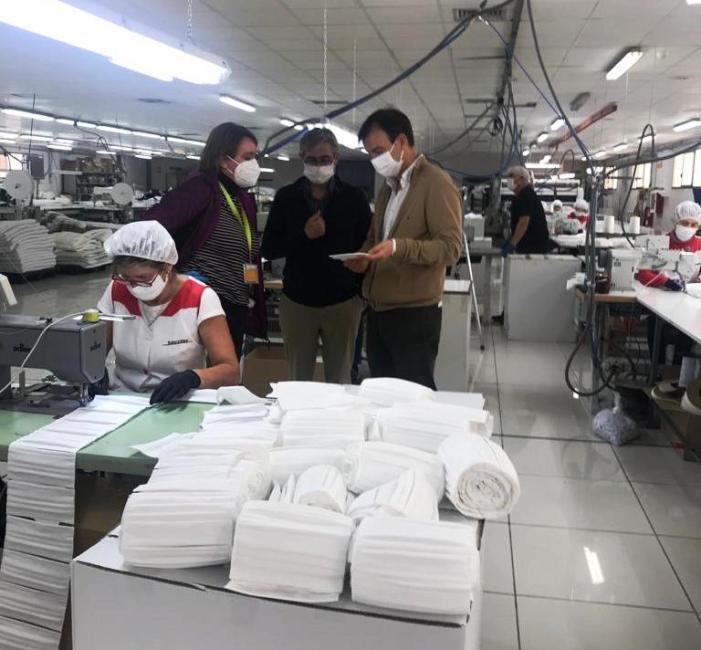 La presidenta de la Mancomunitat de l'Horta Sud supervisa la comanda de 350.000 mascaretes per als municipis de la comarca