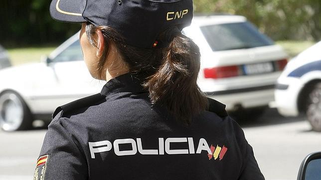 La Policia Nacional de València deté a una dona per agredir i amenaçar a la seua parella
