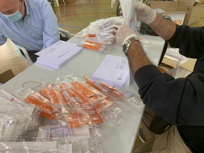 Xirivella culmina en dos dies el repartiment personalitzat de 30.000 màscares