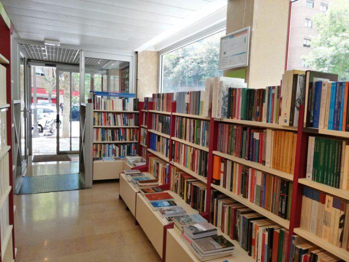 La Llibreria de la Universitat de València obri de nou les seues portes al públic