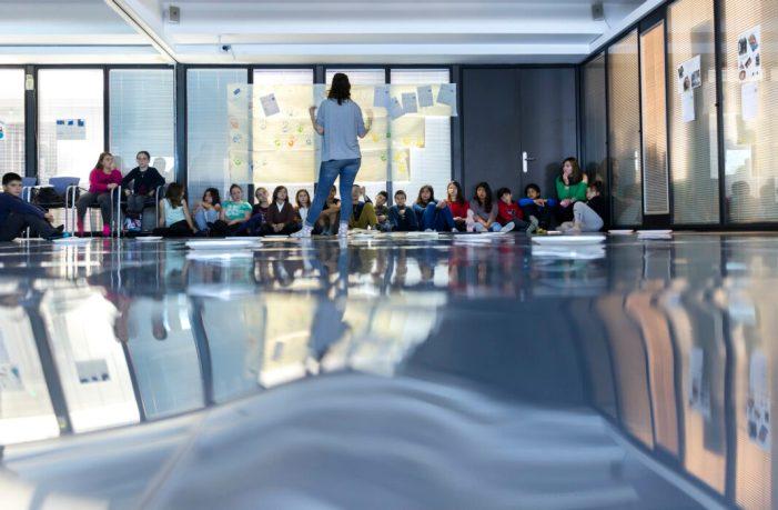 La Universitat digitalitza els tallers Art i Ment a fi de fomentar la creativitat entre els més menuts