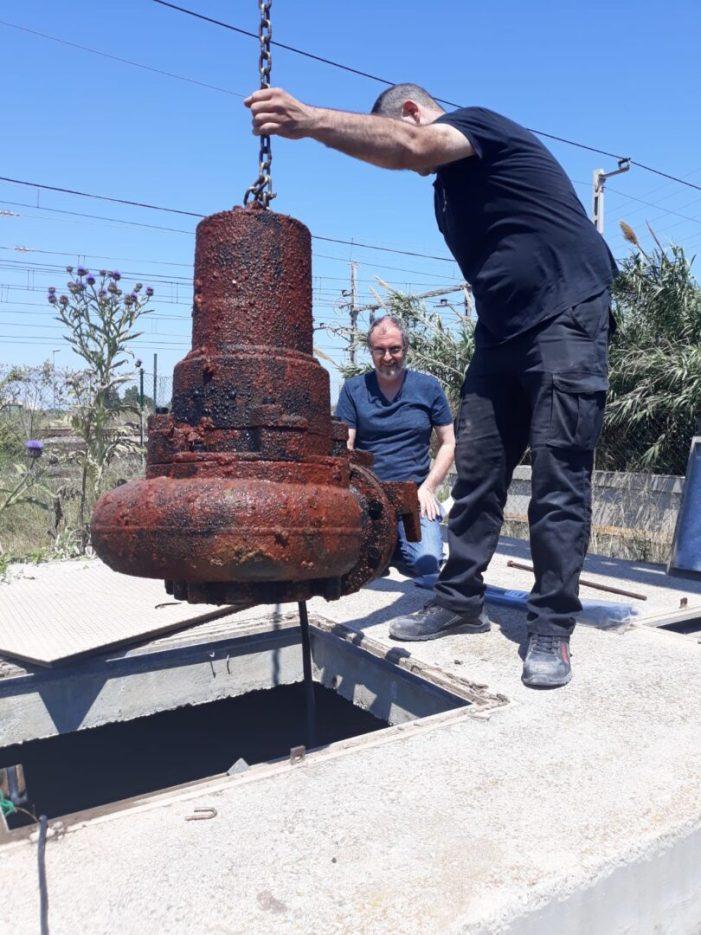 Busquen una solució urgent a les bombes d'aigua avariades del pas subterrani de Massalfassar