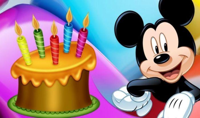 Mickey Mouse s'acomiada de Burjassot després d'haver felicitat i animat a 240 xiquets del municipi