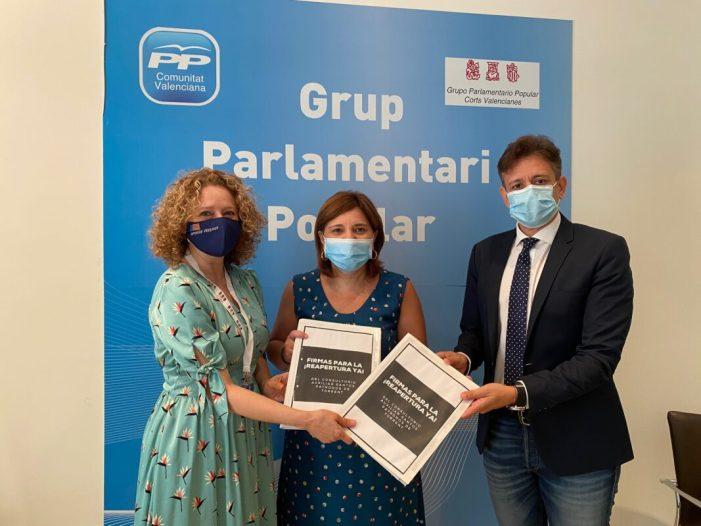 PP Torrent: Bonig i Folgado reivindiquen la reobertura del Consultori del carrer Sants Patrons de Torrent davant la Conselleria de Sanitat