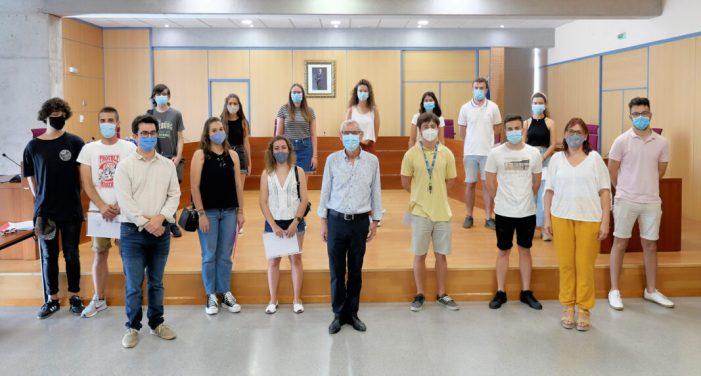 L'Ajuntament d'Alboraia rep a les 14 persones becades en el pla Forma't Alboraia