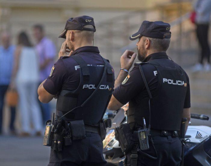 La Policia Nacional deté a València a un home després d'intentar cremar a la seua ex parella i al seu actual novio
