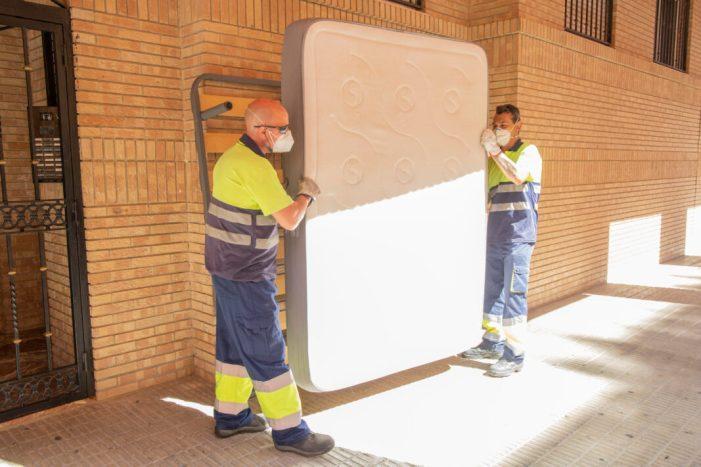 L'Ajuntament de Picassent recull més de 16 tones de mobles i trastos vells durant els mesos de juliol i agost