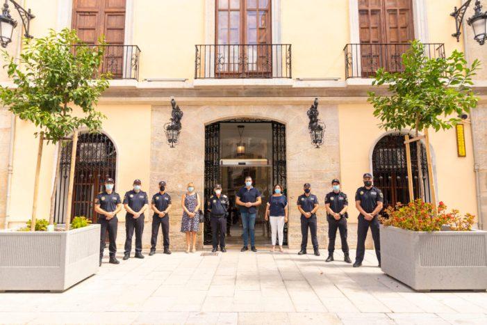 Cullera incorpora 15 policies locals com a funcionaris de carrera