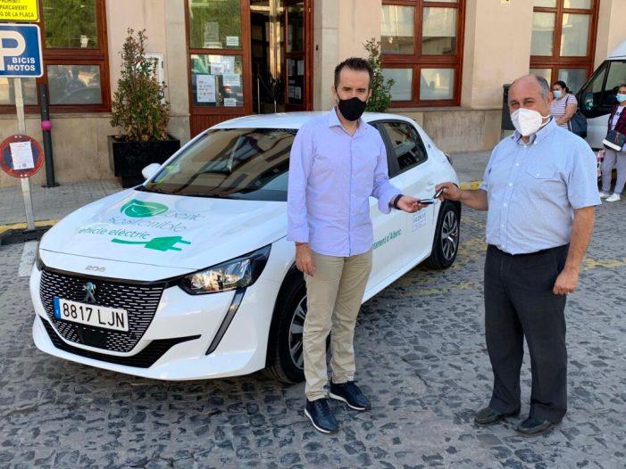 Alberic aposta per la sostenibilitat mediambiental amb un nou cotxe elèctric