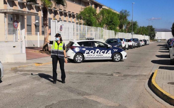 Alberic reforça la presència de la Policia Local per a extremar les precaucions sanitàries en la tornada al col·legi