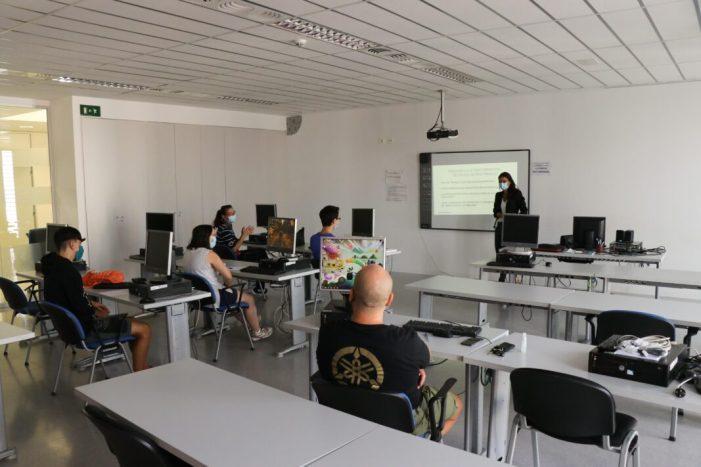 L'Ajuntament de Torrent posa en marxa els nous cursos per a formar en habilitats digitals