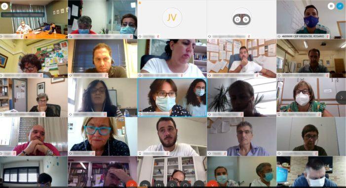 Salut Pública es reuneix amb la comunitat educativa torrentina per a resoldre els dubtes que puguen sorgir derivades del Covid-19 l'inici de curs