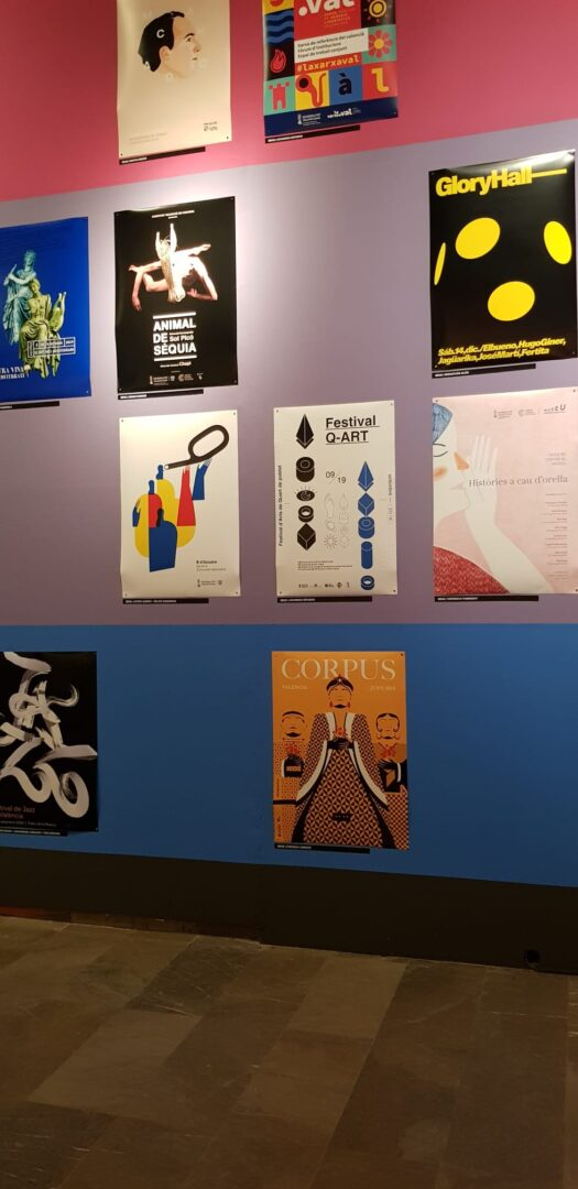 """La comunicació de l'Ajuntament de Quart de Poblet, present en l'exposició """"Prohibit Fixar Cartells. REA"""" del Centre del Carme"""