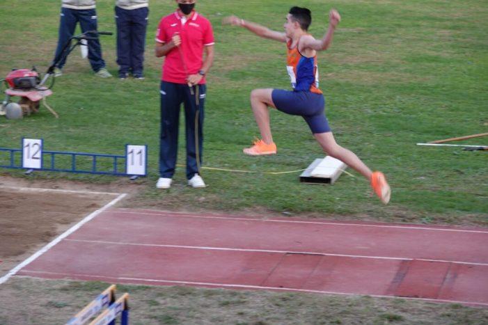 El torrentí Alex López, medalla de bronze en triple salt en el Campionat d'Espanya sub-16