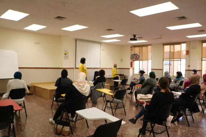 Comença un nou curs d'Alfabetització i Aules d'Español a Quart de Poblet amb quasi una trentena d'alumnes