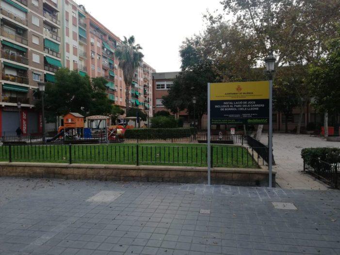 L'Ajuntament de València comença la instal·lació d'una zona de jocs inclusius al parc ubicat entre els carrers Borriol i Els Lleons, al barri d'Aiora