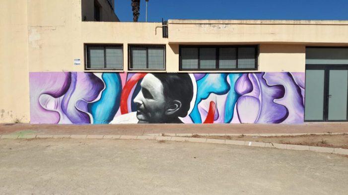 L'Institut d'Educació Secundària Jose María Parra d'Alzira realitza un mural participatiu entorn de la figura de l'artista Geòrgia O´Keeffe