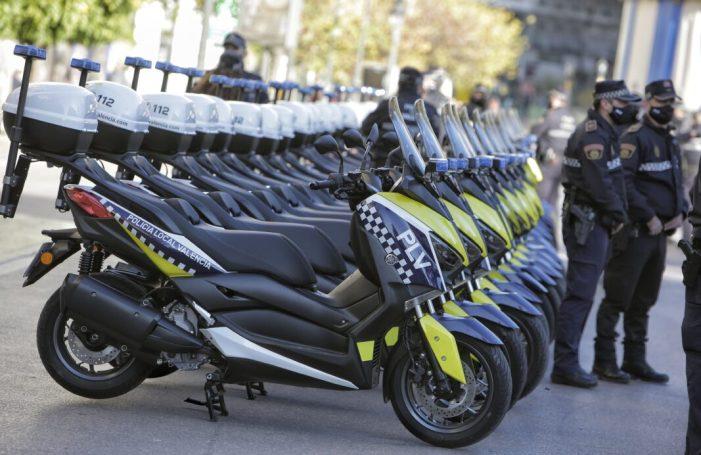 La Policia Local de València presenta 20 noves motocicletes, que seran destinades a la policia de proximitat