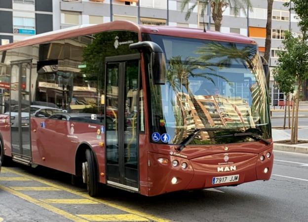 A pesar del confinament, prop de 267.000 usuaris han fet ús del transport públic a Alzira