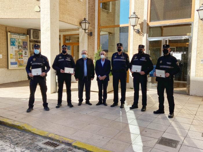 L'Ajuntament d'Alboraia reconeix la labor de cinc agents de la Policia Local