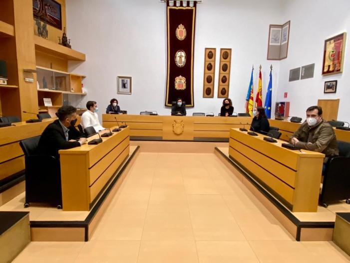 L'Ajuntament d'Algemesí inicia converses amb les associacions empresarials locals per a impulsar ajudes