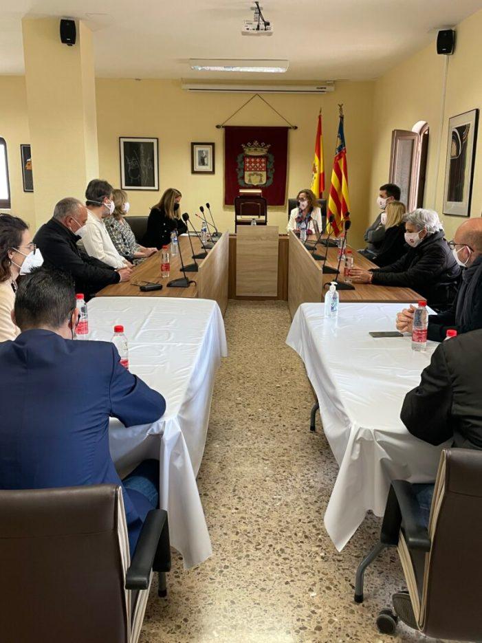 Marisa Almodóvar ha sigut investida aquest dissabte alcaldessa de l'Ajuntament d'Alfara del Patriarca