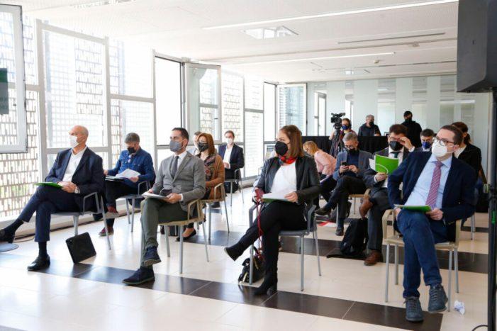 La Fàbrica de Mislata va acollir una jornada tècnica sobre empreses públiques d'Espanya organitzada per AVS